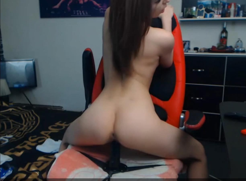 masturbatsiya-na-veb-kameru-video