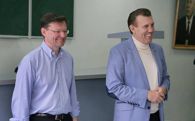 Кандидат на пост мэра Одессы от БПП Саша Боровик вместе с Киваловым агитировал за себя студентов киваловской юракадемии - Цензор.НЕТ 4898