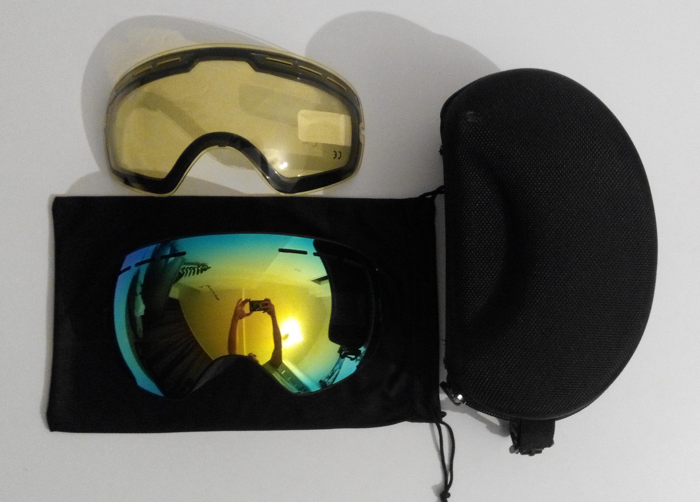 Aliexpress: Сферическая сноубордическая маска + дополнительная линза + твердый чехол