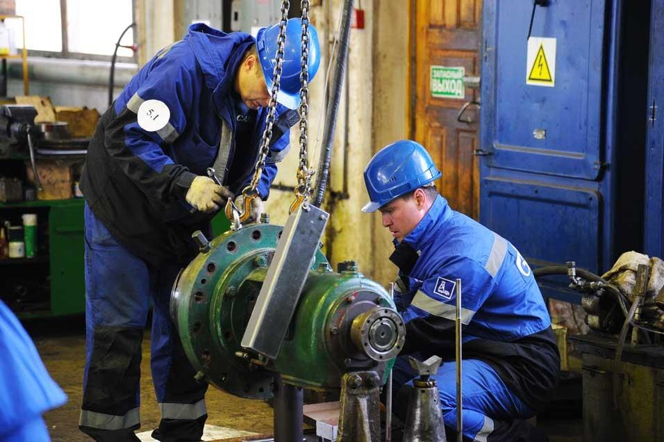 Работа слесарь-ремонтник нефтегазового оборудования