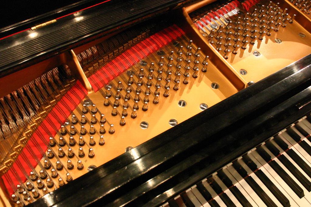 Купить пианино в интернете. Настройка пианино