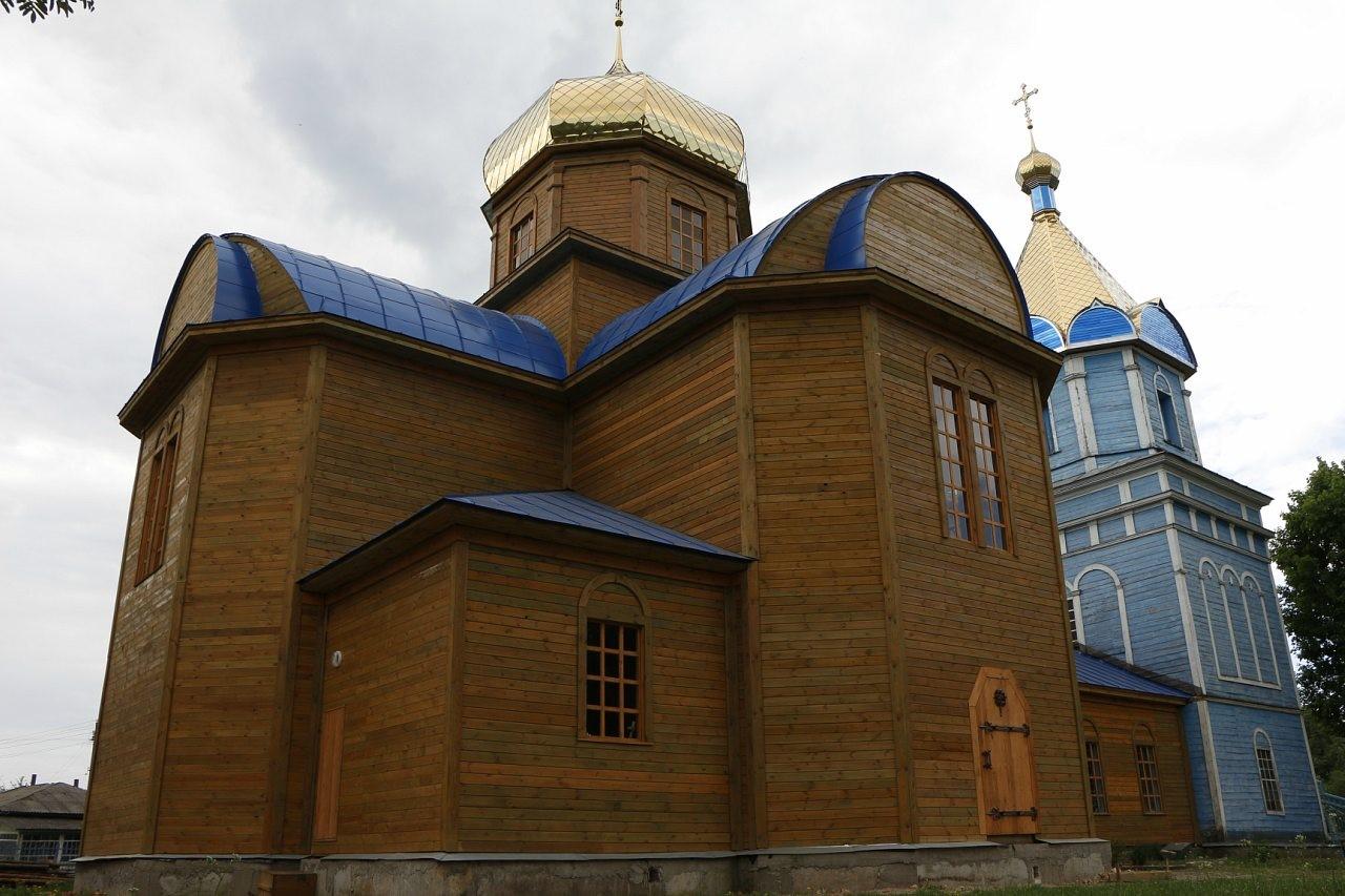 Свято-Покровська церква (1847) у Сосниці. Фото — Ake1bl4 (2013).