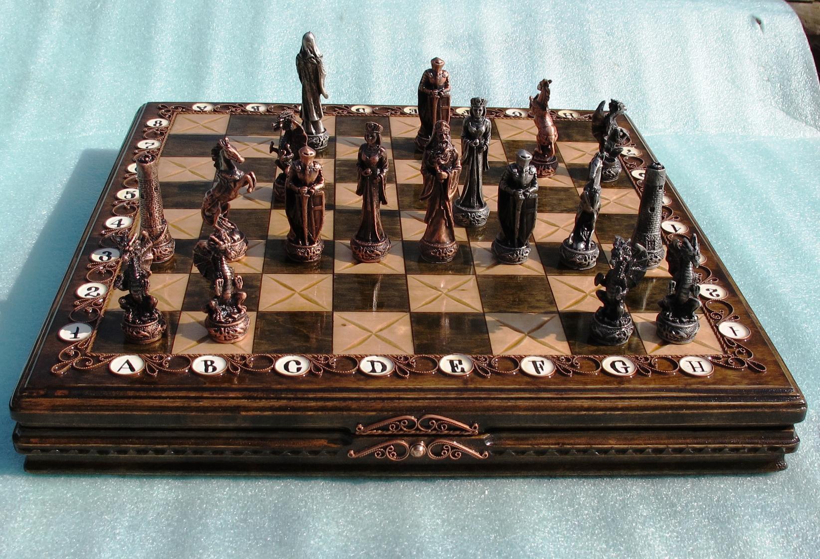 Играть в шахматы с живыми игроками