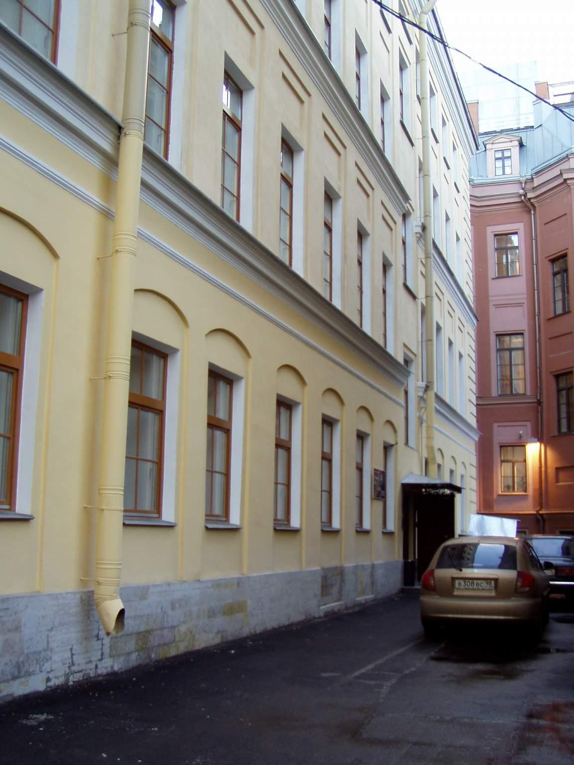 Обзор бизнес-центров Санкт-Петербурга - аренда офиса по доступным ценам - фото2
