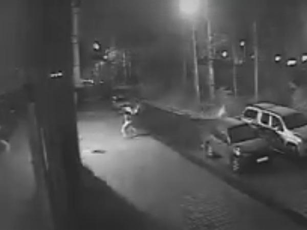"""В сети появилось видео нападения на """"Фабрику троллей"""""""