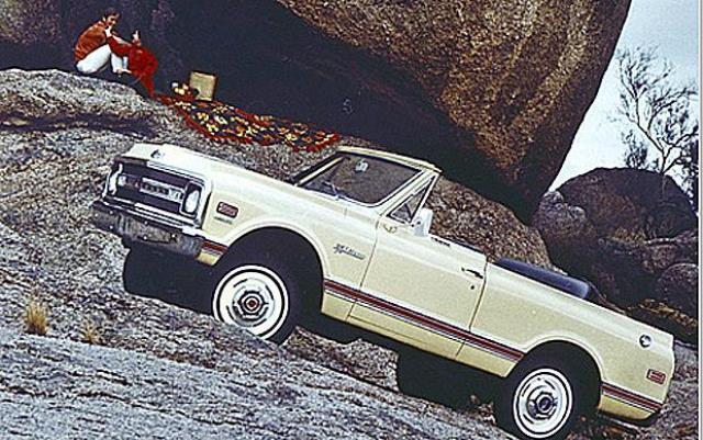 1969 K5 Blazer.jpg