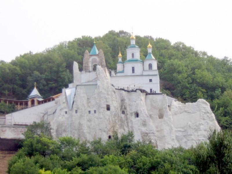 Святогірська лавра (Донецька область). Миколаївська церква (кінець XVII століття). Фото — Uk-Kamelot (2007).