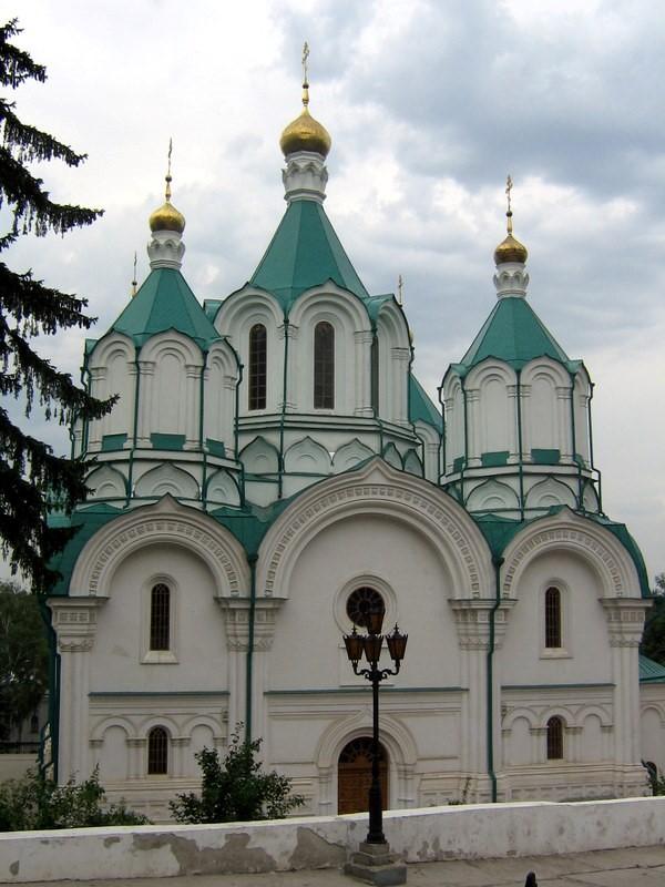Фото: Святогірський Успенський монастир.
