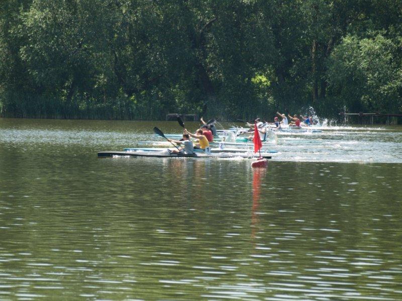 Уманчани достойно виступили на змаганнях з веслування на байдарках і каное (фотозвіт)