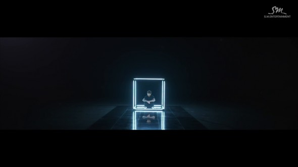 [STATION] AMBER -_Borders_Music Video_001_206.png