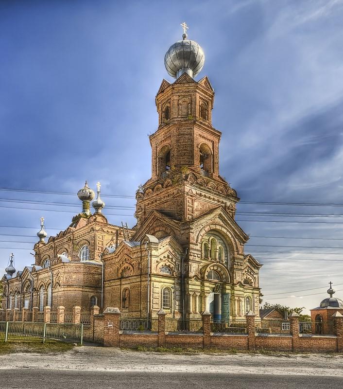 Охтирка. Михайлівська церква. Фото — Naumenkoaleksandr (2011)