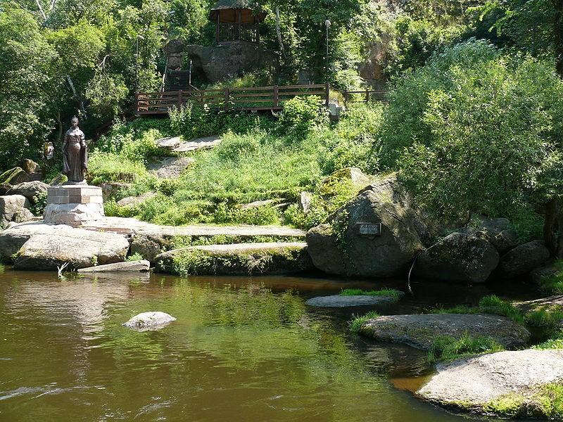 «Купальня княгині Ольги» на річці Уж.