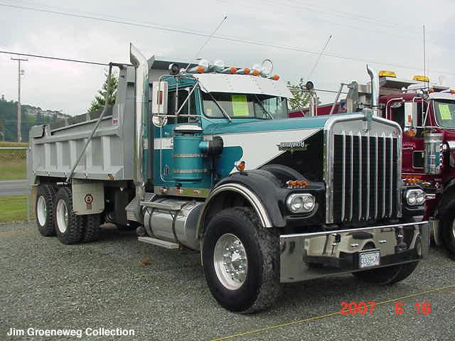 1981-kw-w900-long-hood-dump-truck.jpg