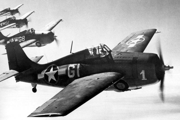 grumman-f4f-4-wildcat-fighter-us-navy-training-unit-1943-01.png