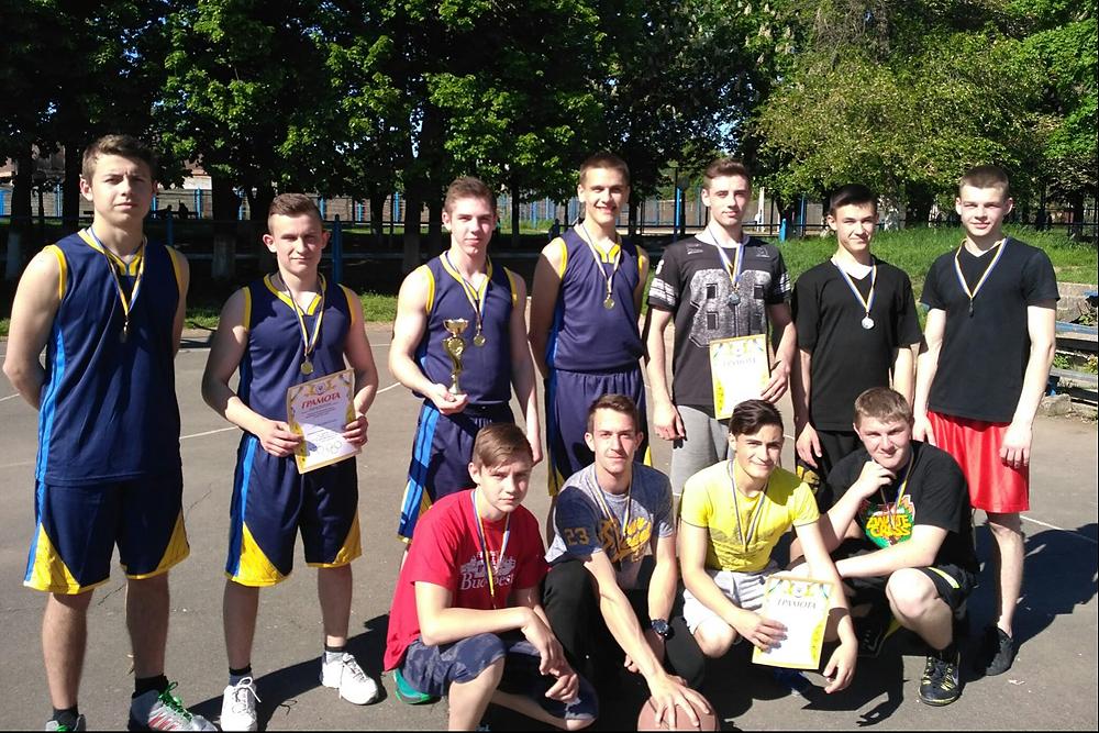 Перемоги уманських школярів за кубок міста з баскетболу