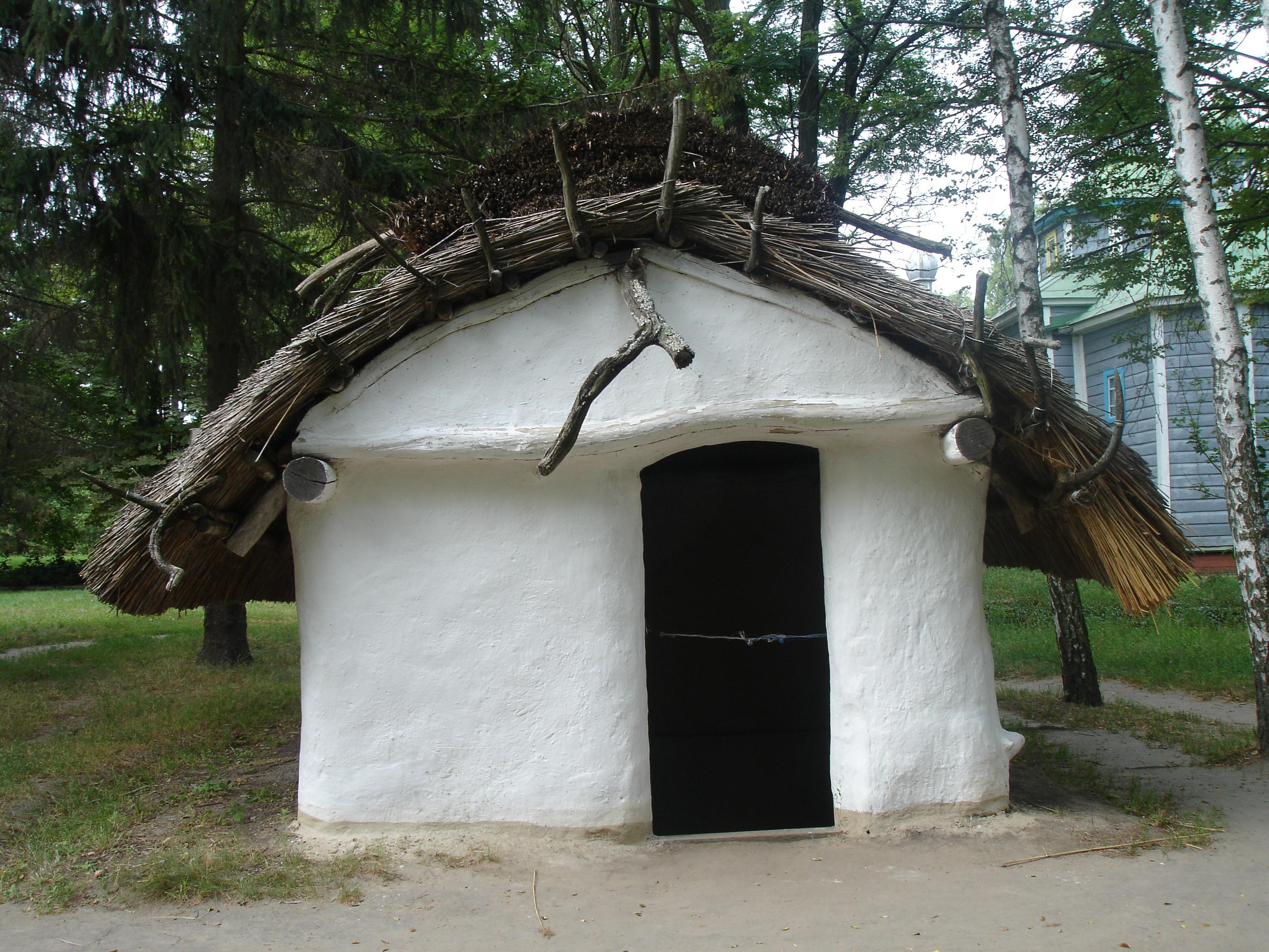 Переяслав-Хмельницький. Реконструкція давньоруського житла ХІ століття
