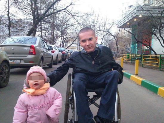 Антон Мамаев, 28-летний инвалид, вес 18 кг - обвиняется в нападении на бывшего спецназовца