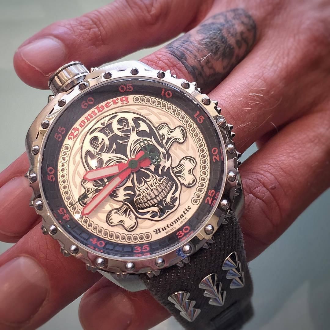 Очень необычные часы