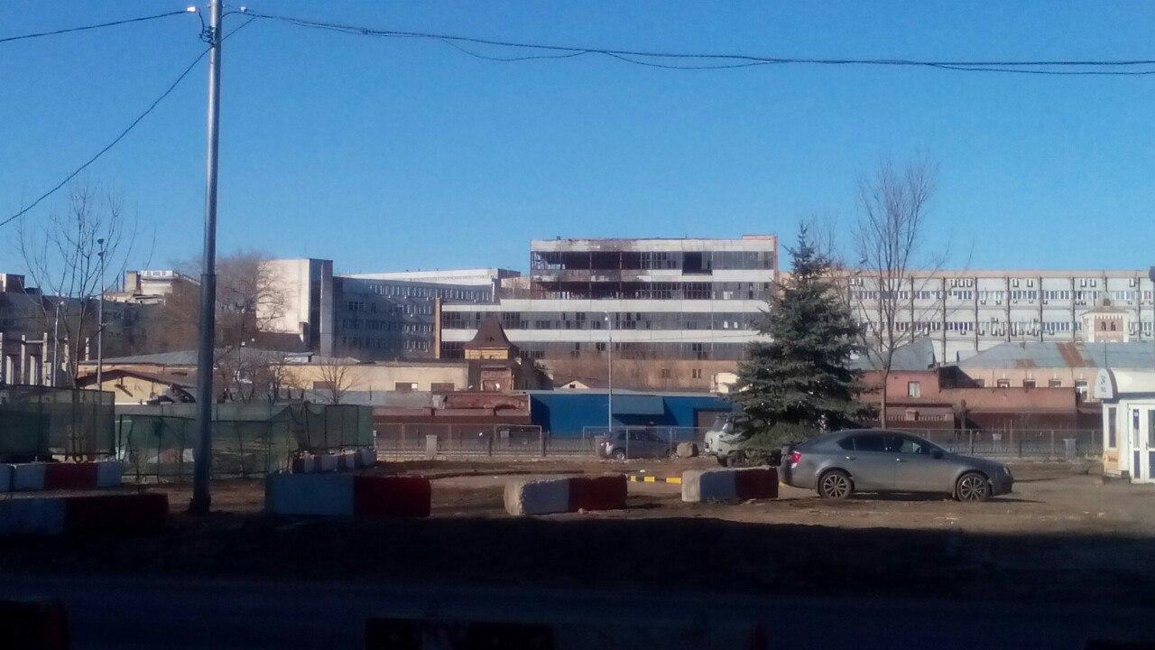 Заброшенное здание в промзоне около метро Электрозаводская