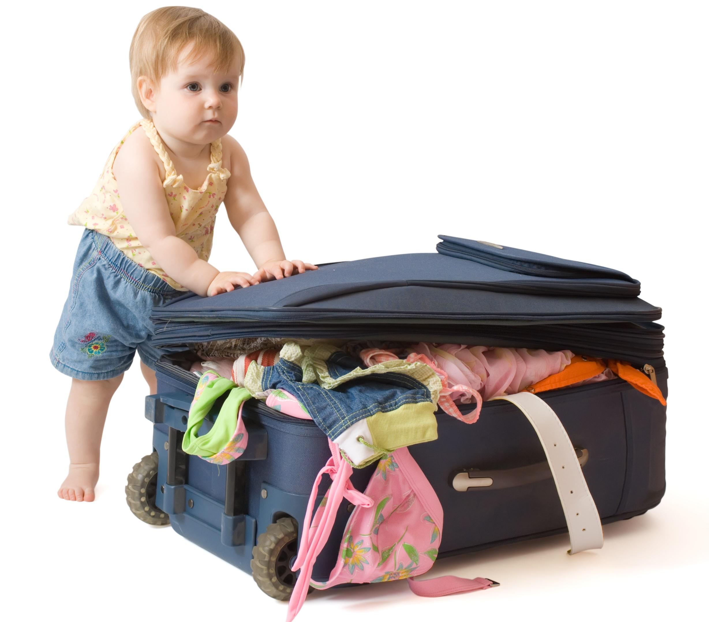 ребенок с чемоданом.jpg