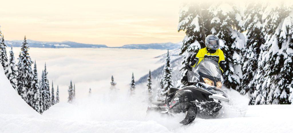 Снегоход Summit
