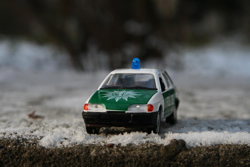 Ford Sierra Ghia 4-door 2.0i Police Schabak '1982–87 13.jpg