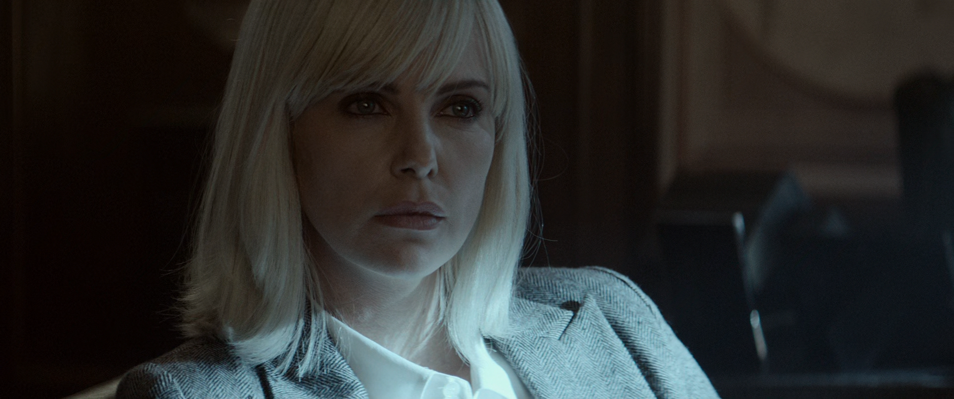 Atomic.Blonde.2017.1080p.iTunes_HEVCCLUB015583.png