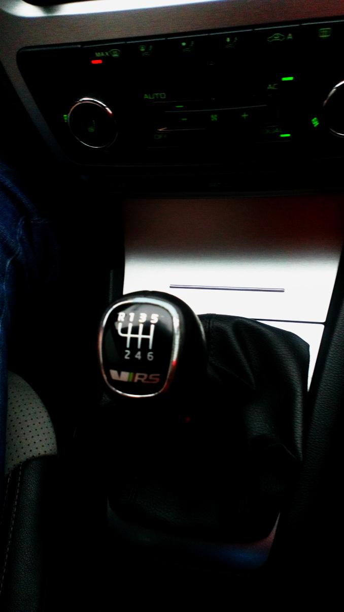 Škoda Octavia RS (1Z) MT6 '2009–13 mt.jpg
