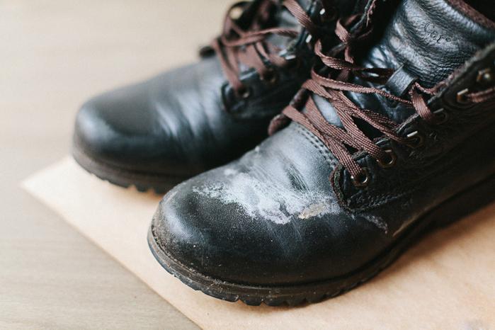 Как защитить обувь от соли?