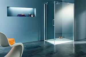 Стеклянные двери в душевую преобразят ванную комнату