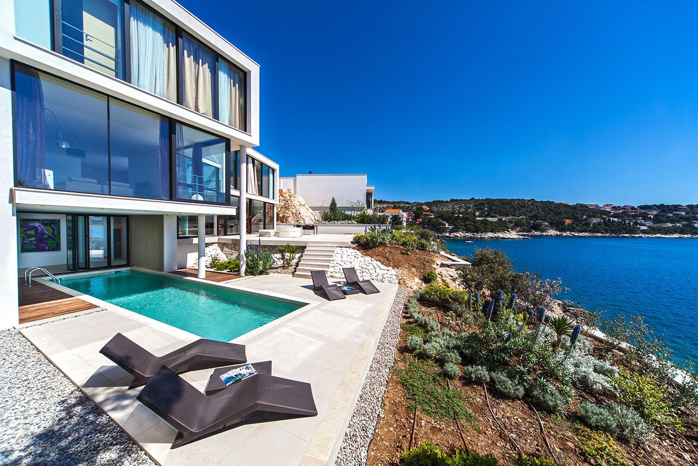Купить дом у моря за границей жилье на кипре недорого