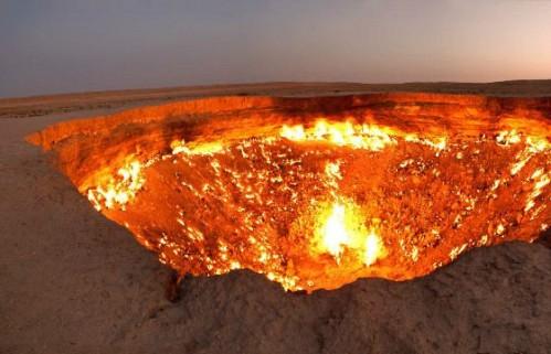 """""""Врата в Ад"""" – кратер Дарваза в Туркменистане"""