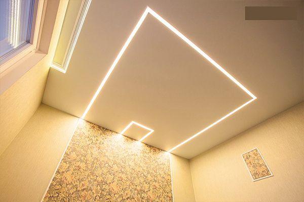 Натяжной потолок в ванной с парящими линиями