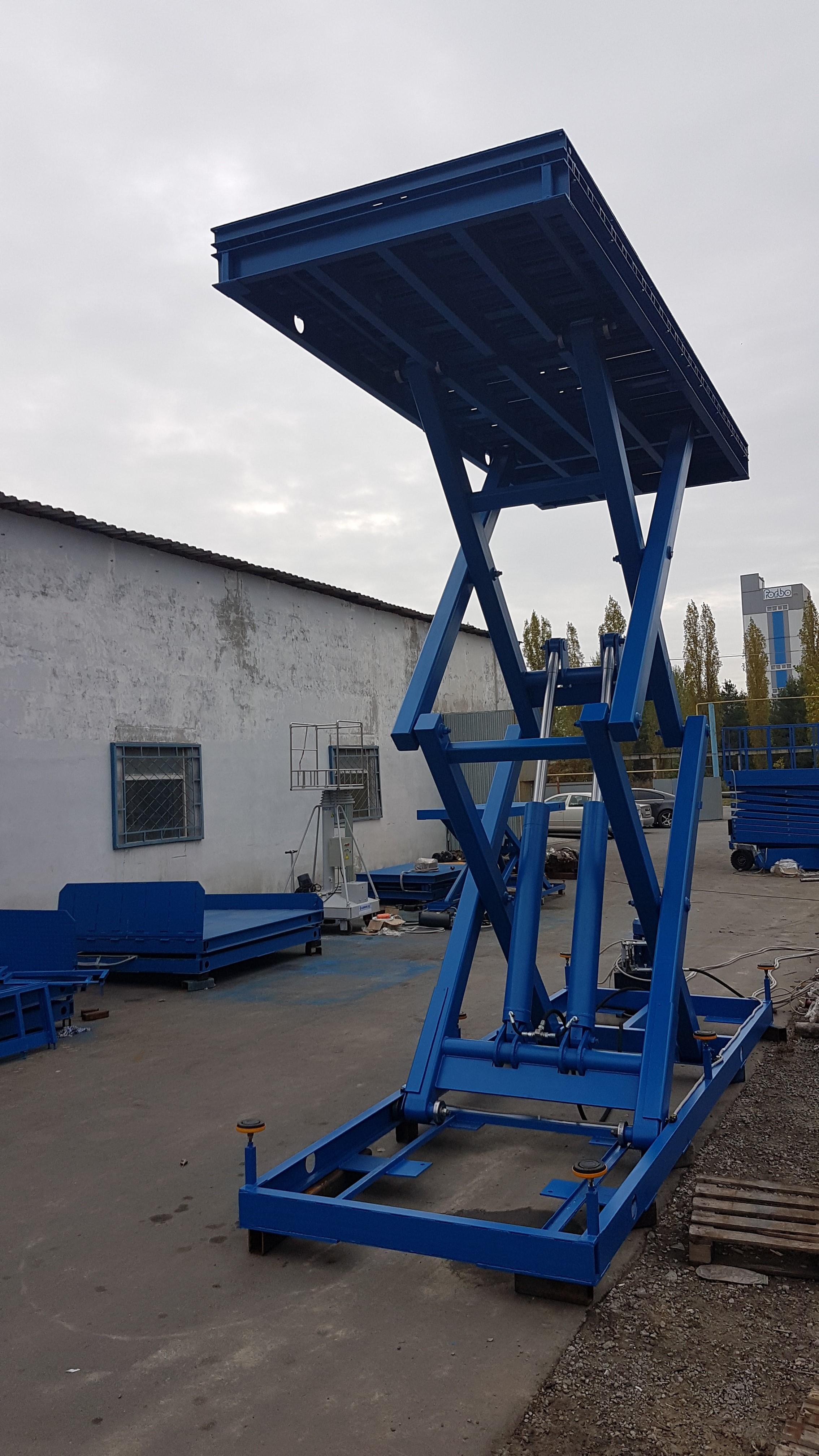 Современные грузовые подъемники от компании «Гидроласт Стандарт»