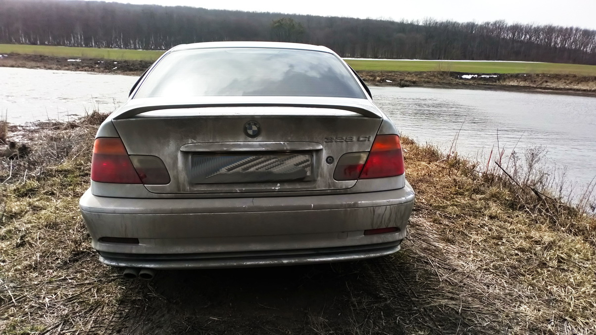 BMW 328Ci Coupe 5MT(E46) '1999–2000 2.jpg