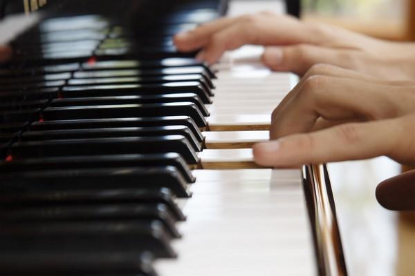 Все о цифровых пианино: от поиска до покупки один шаг
