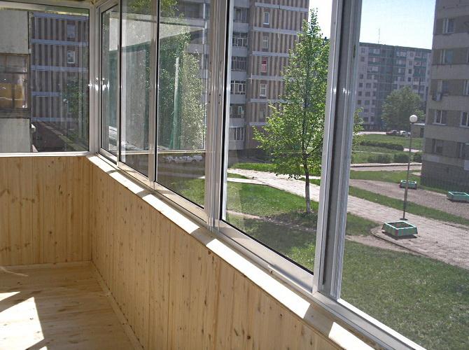 Балконное остекление: самые популярные варианты