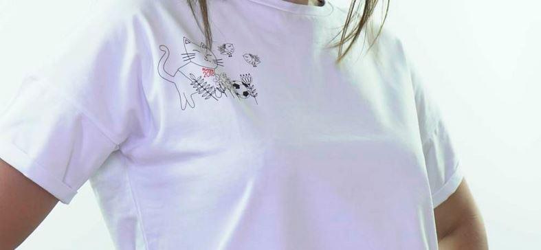 Интернет-магазин «Мистер Писк» предлагает оригинальные футболки с принтами котика-футболиста