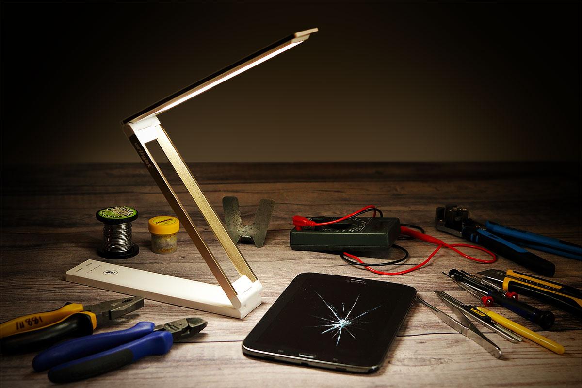 Настольный светильник для мастерской