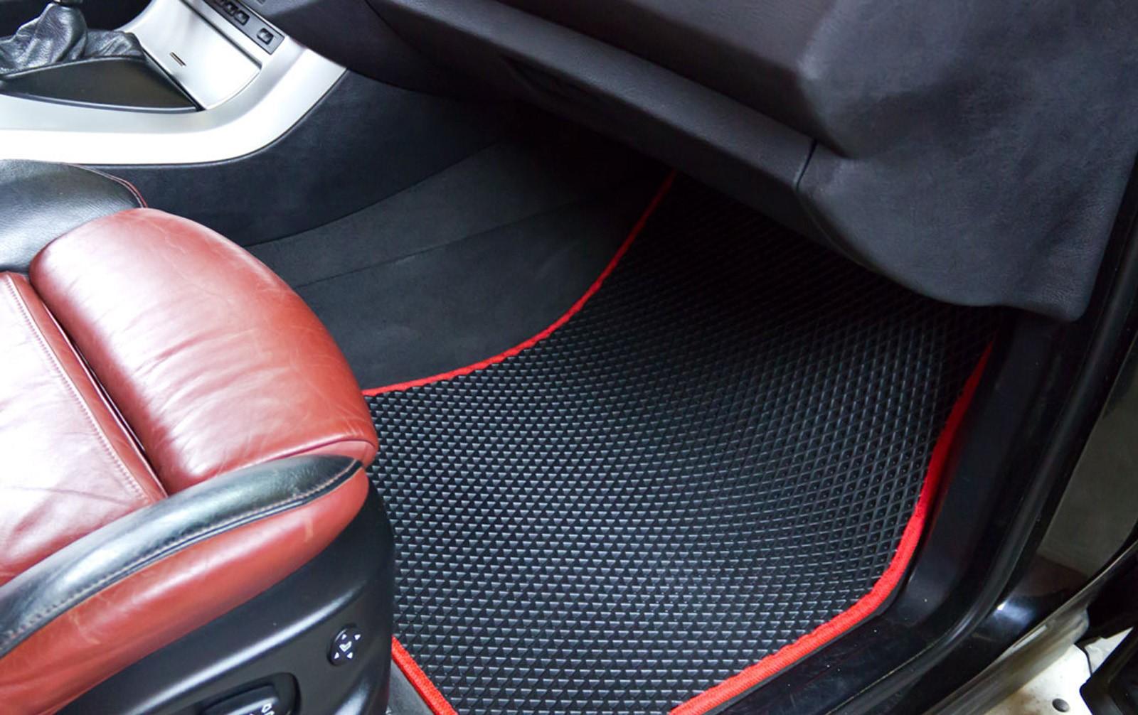 Коврик в авто: удобно и практично