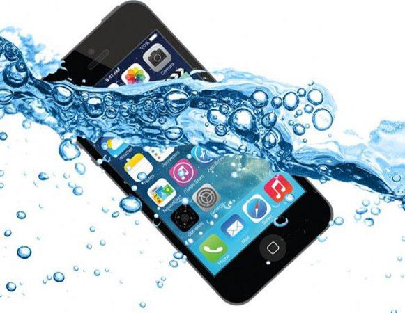 Телефон упал в воду - правила поведения.