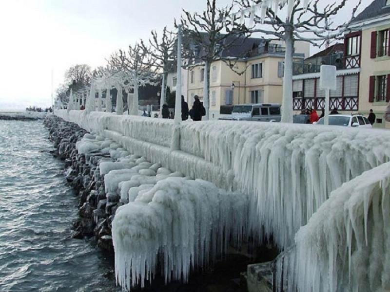 Набережная Женевского озера в Версуа, Швейцария..jpg