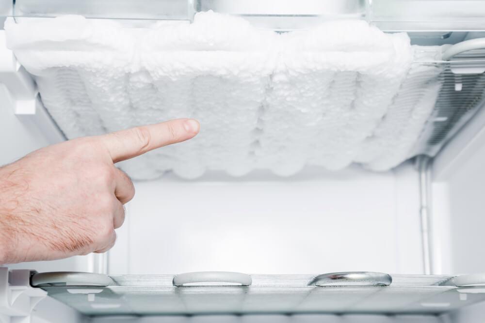 Особенности ремонта морозильных камер и витрин