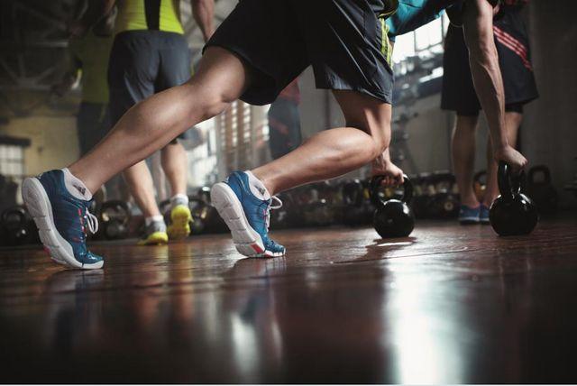 кроссовки для тренировок в зале мужские купить