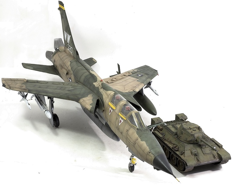 Republic F-105G Wild Weasel. Trumpeter 02202. - Страница 2 11ac09610435847bc73baba961a7f485