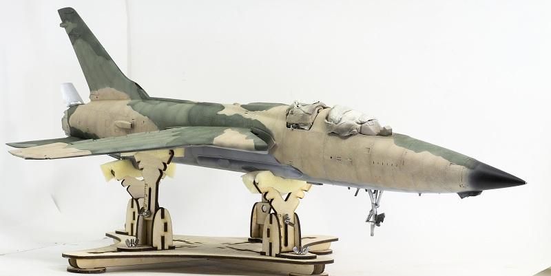 Republic F-105G Wild Weasel. Trumpeter 02202. - Страница 2 606e605b3f5f36f23c6e20c1bbddb89e