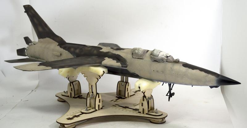 Republic F-105G Wild Weasel. Trumpeter 02202. - Страница 2 8a38a9147867fd49488ea2d6ab558fba
