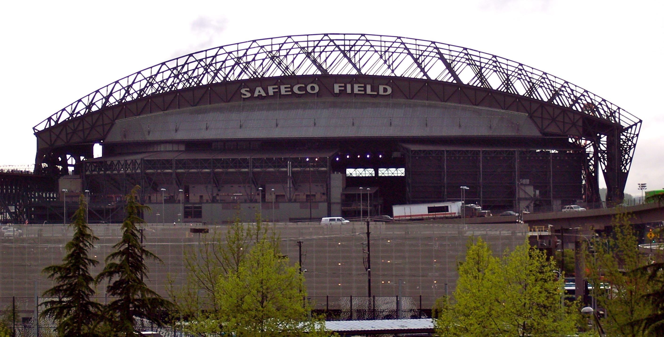 Outside_Safeco_Field,_Seattle.jpg