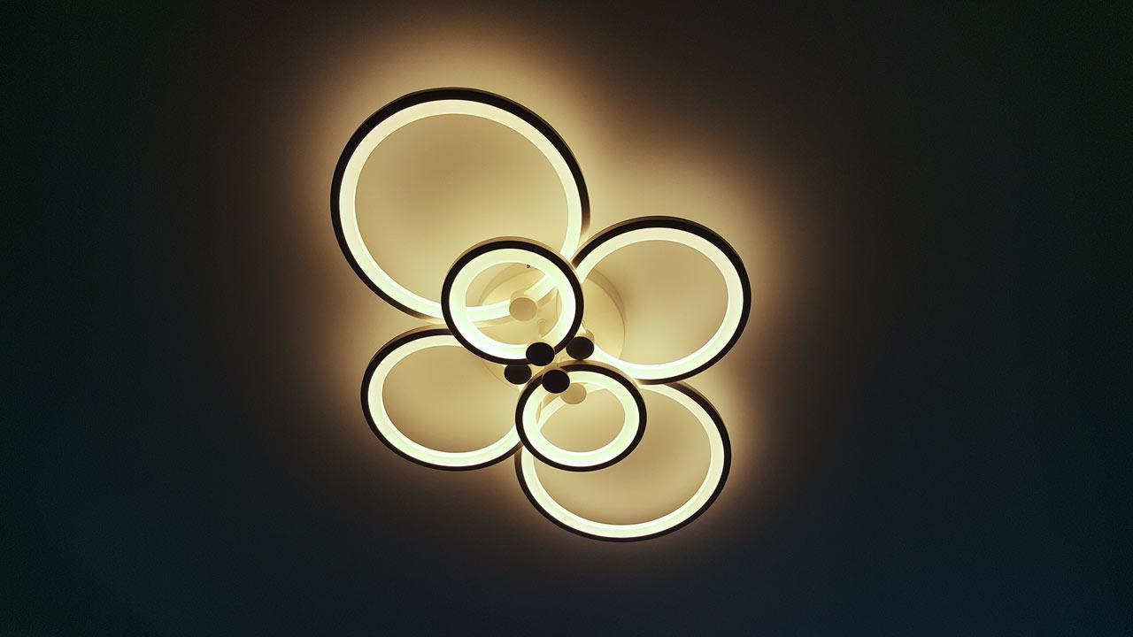Светодиодная люстра теплый и холодный свет