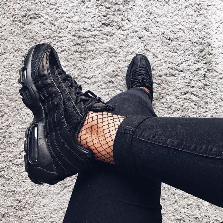 женские кросовки кожа